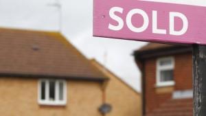 Продажба на жилище на тих търг или как брокерите взимат по-големи комисионни